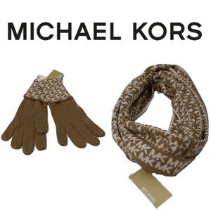 Michael kors scarf and gloves set💎